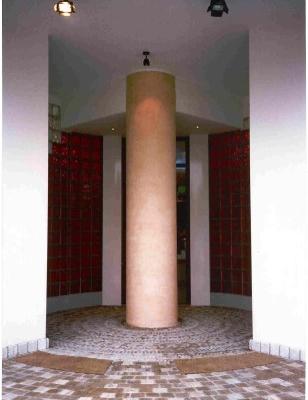 ingresso bar: particolare colonna