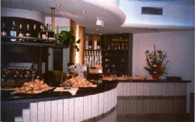 bar: tavola calda e tabacchi